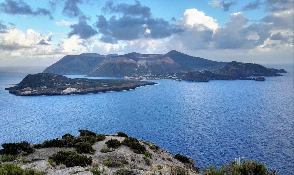 Schönheit der Liparische Inseln entdecken
